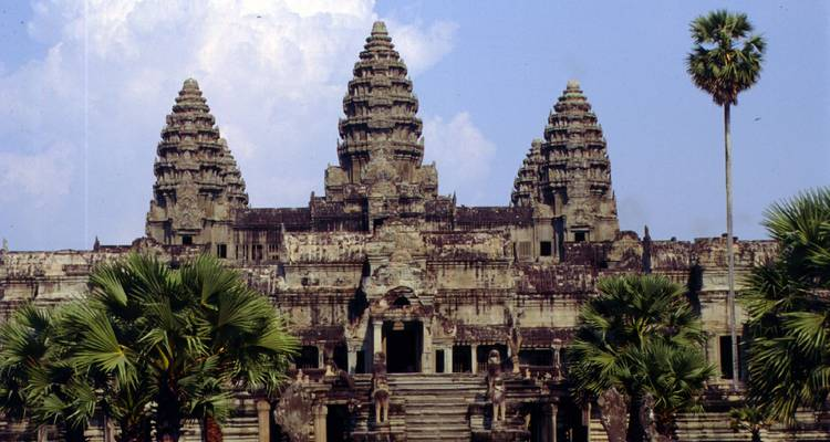 19 Day Vietnam and Cambodia: Nature Forest Trekking, Rowing, Fishing, Hiking, Swimming, Kayaking, Monkey Island, Hue, Hoi An, Cai Rang Floating market, Cu Chi tunnel - Phnom Penh and Angkor Wat - Go Vietnam Travel