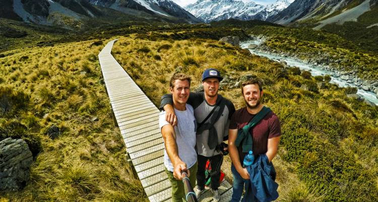 Stray NZ - Moe Pass (National) - Stray Travel