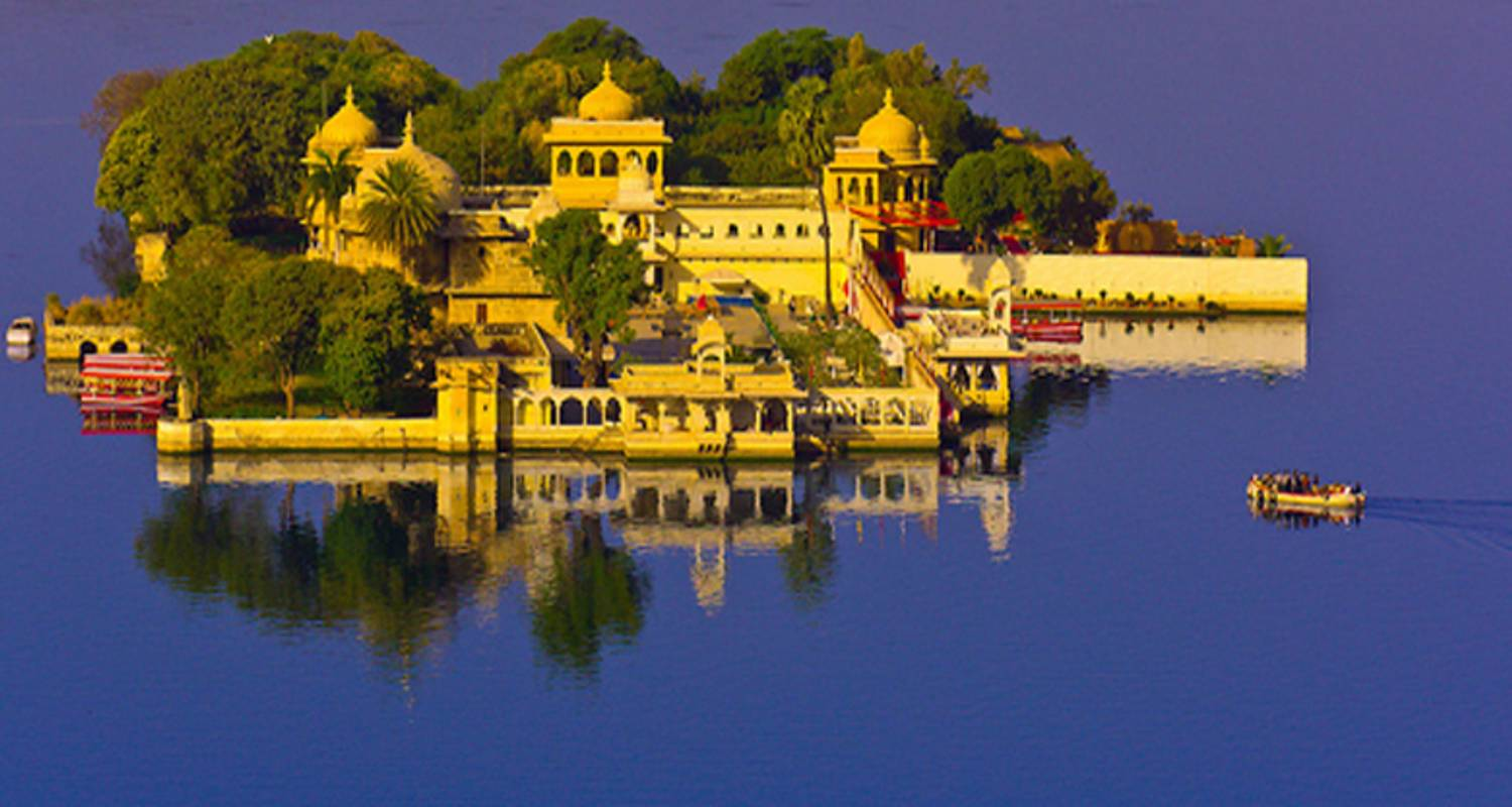 Golden Triangle Tour with Udaipur from Delhi - Raj Tour & Travel