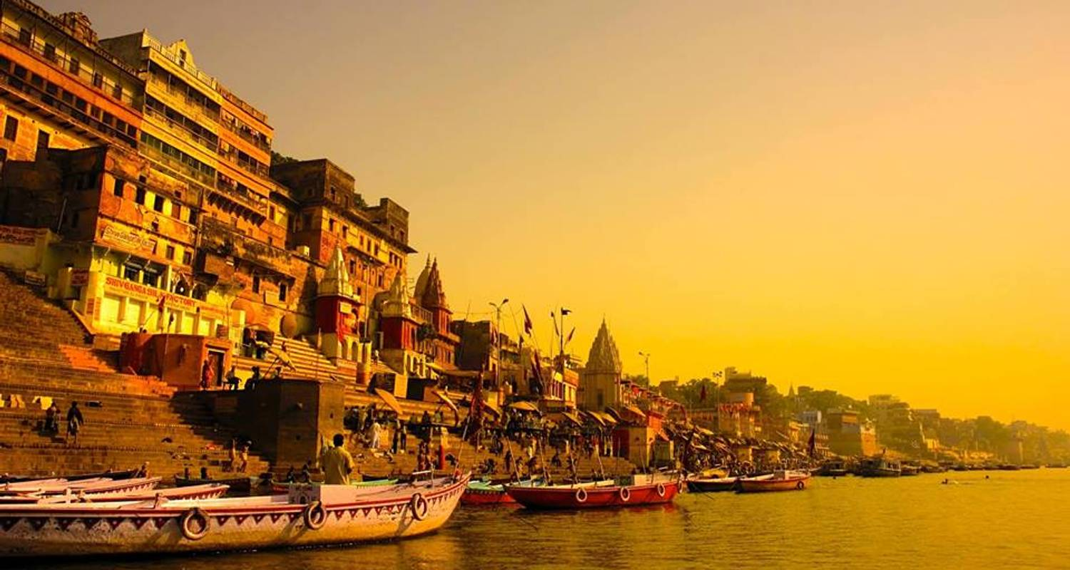 Essence of India with Varanasi, 4 star accommodation - Payless tours india
