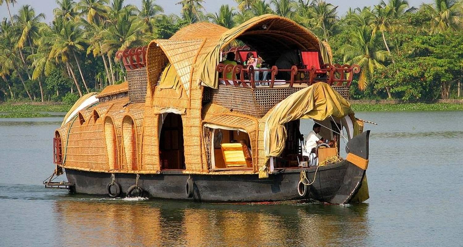 Kerala Backwaters and Beaches - YatraExotic