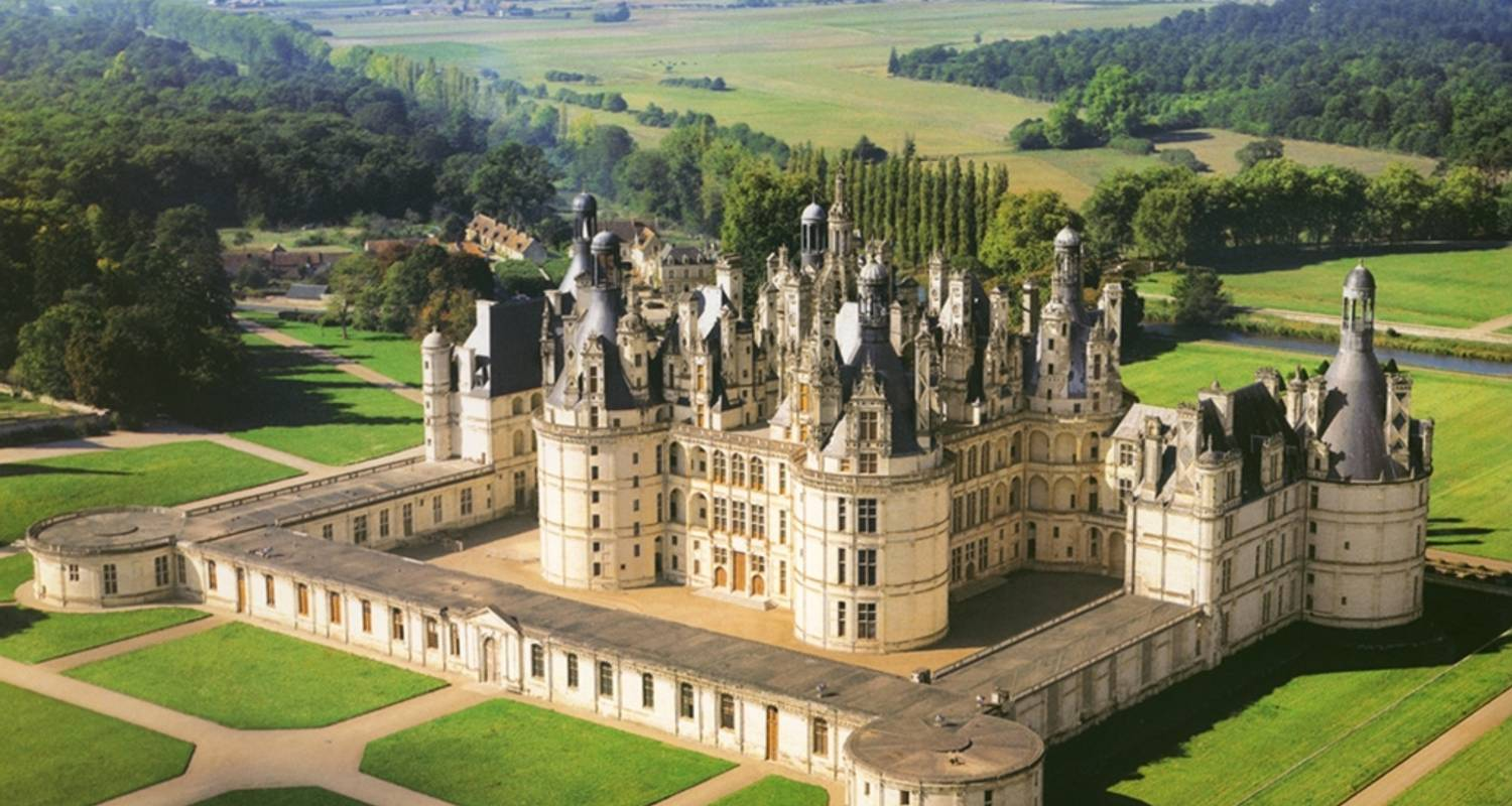 Grand Cru Package: Loire Valley Wines and Castles - 5 Days 4 Nights - Wine Geometry Tours