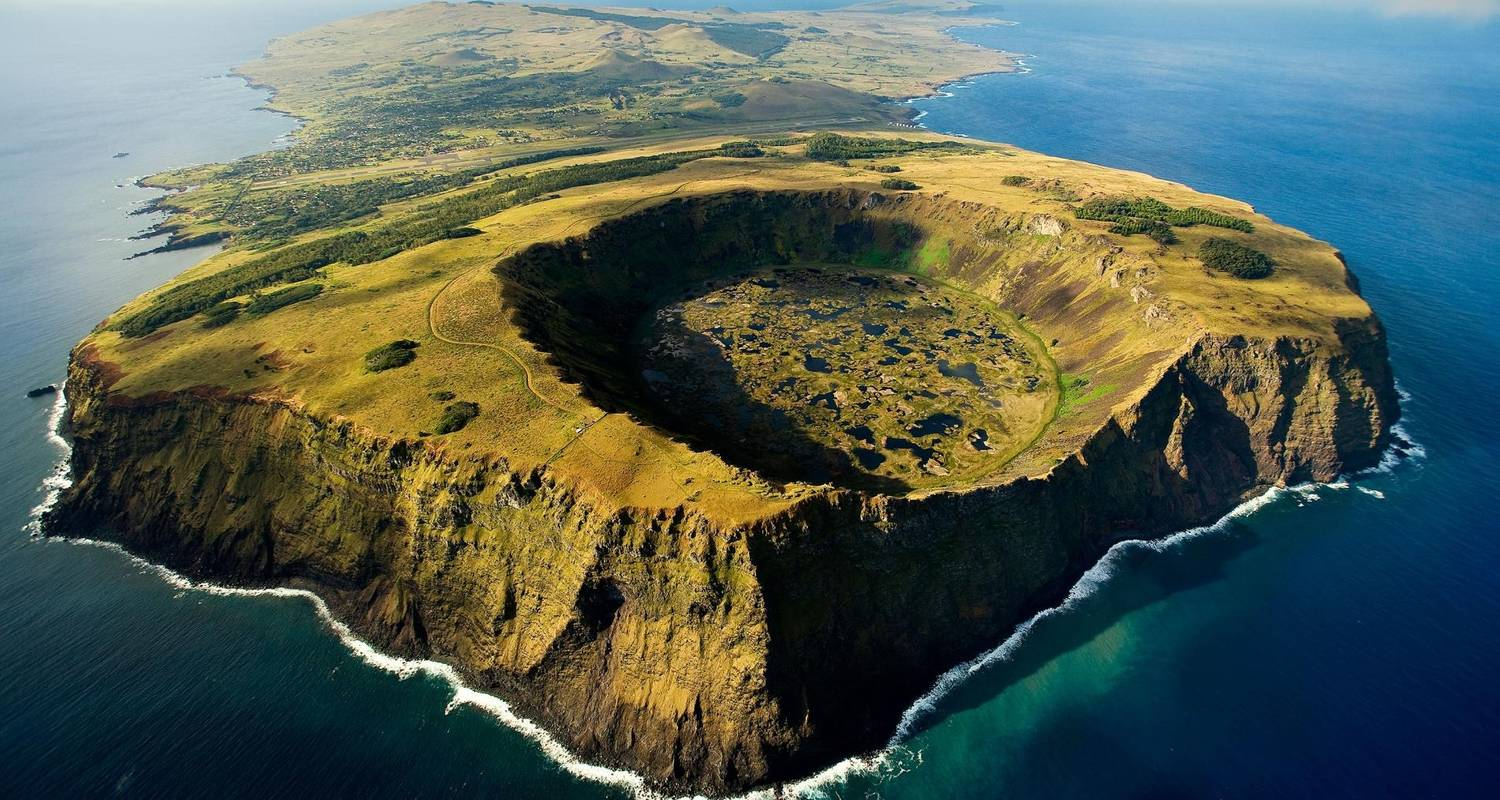 8 - Days Unique experience in Easter Island & Chilean Patagonia - Signature Tours