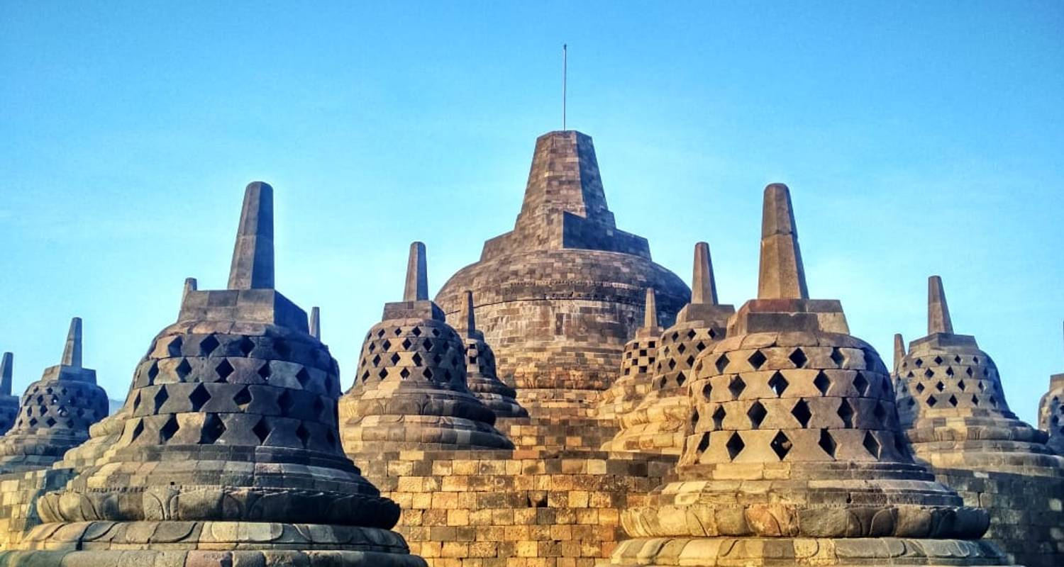 Amazing Yogyakarta Tour With Local People - Ayla Tour and Transport
