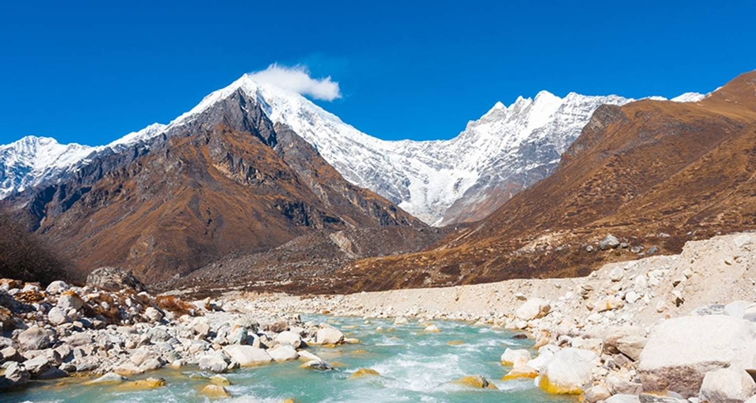 Langtang Valley trek 10 Days - Adventure Himalayan Travels