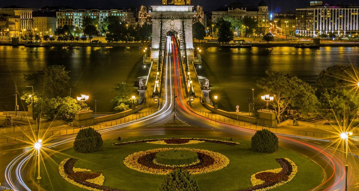 The Blue Danube Discovery with 2 nights in Budapest (8 destinations) - Avalon Waterways
