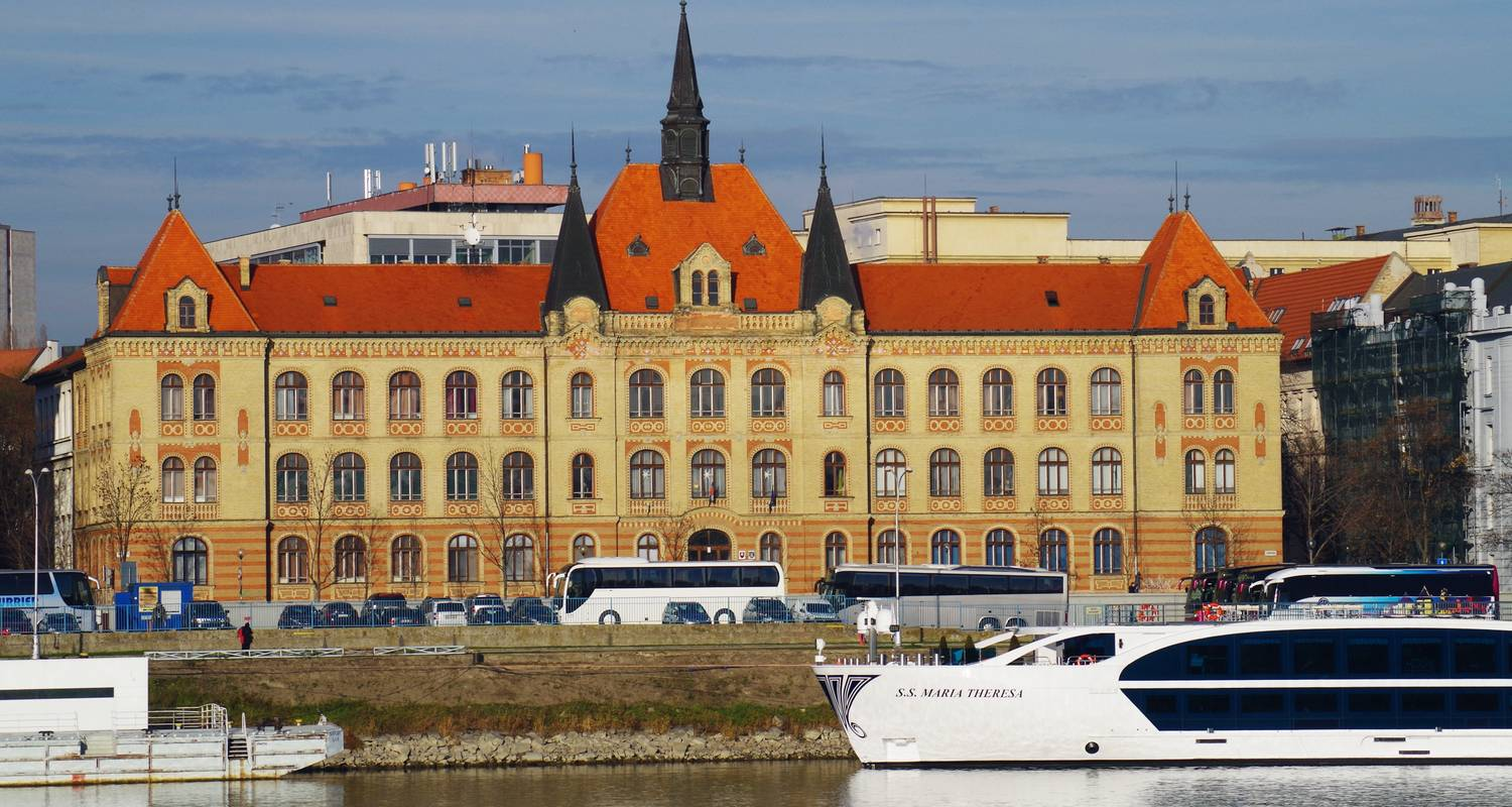 A Taste of the Danube with 2 nights in Budapest & 2 nights in Vienna - Avalon Waterways