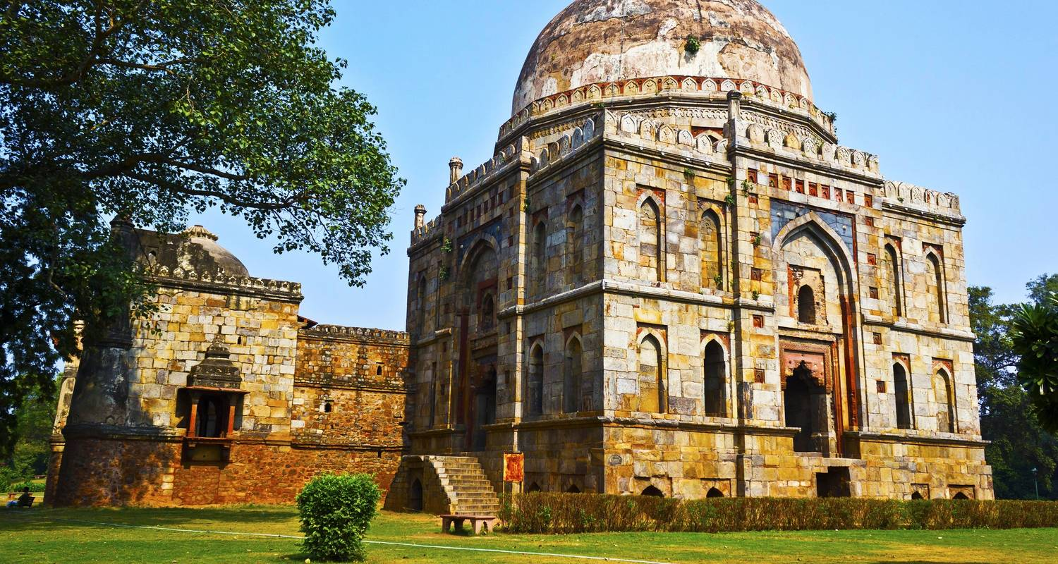 15 Days Indian Tiger Tour with Majestic Taj Mahal - Travel Con