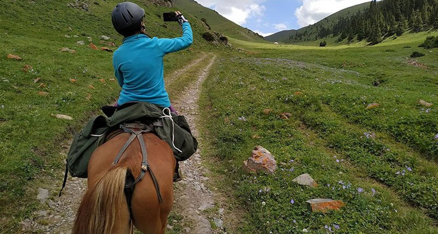 Horse riding tour around Uzyn Kargaly gorge - Steppe and sky travel