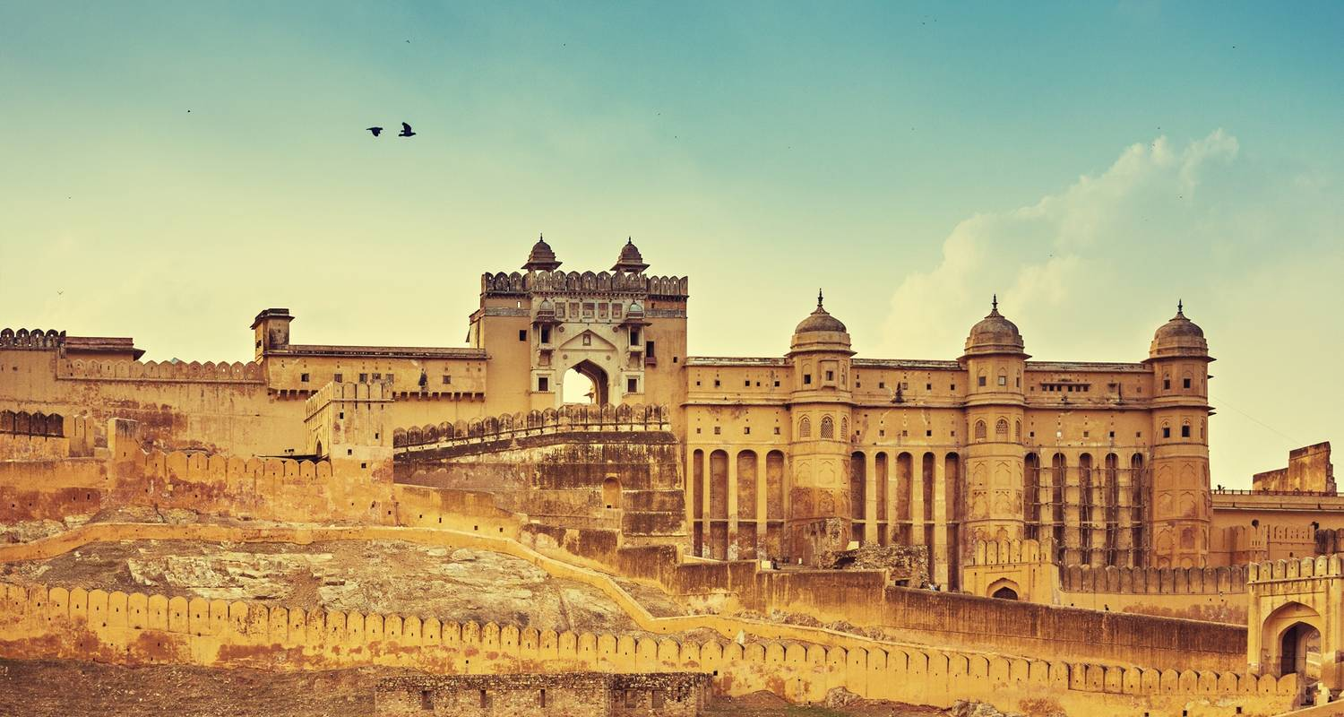 A journey to a mystic land of india with Golden Triangle Tour with Orchha, Khajuraho and Varanasi