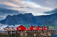 Northern Highlights & the Arctic Circle Tour