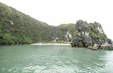 Ha Long Bay and Castaways Island 3 Days 2 Nights Tour