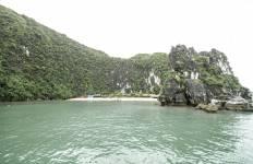 Ha Long Bay and Castaways Island 3 Days 2 Nights Tour
