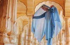 India\'s Golden Triangle & the Sacred Ganges - New Delhi to Kolkata Tour