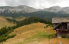 Yomads Romania Carpathians & Culture Tour