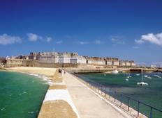 3 Day Normandy, Saint-Malo, Mont Saint Michel & Loire Valley Castles Tour