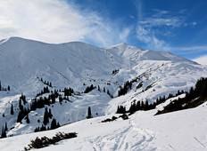 Ski touring in Terskei Ala-Too mountains. Kyrgyzstan Tour