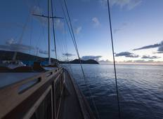 Gulet Cruise among Aeolian Islands, Sicily Tour