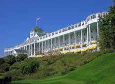 Mackinac Island featuring The Grand Hotel and the Tulip Festival (including Grand Rapids) Tour