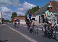 Loire Valley Cycling (from Chenonceaux to Tours) Tour