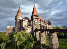 7-Day Dracula Tour in Romania from Bucharest including \'The Ritual of Killing of a Living Dead Tour
