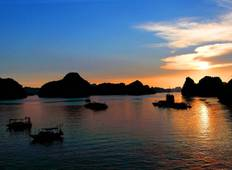 3-Day Ha Long Bay on Deluxe 4-star Cruise with Kayaking, Swimming, Cooking Class,... Tour