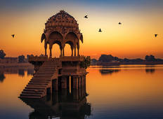 Cruise on the Ganges between Kolkata and Varanasi & the splendors of Rajasthan (port-to-port cruise) Tour