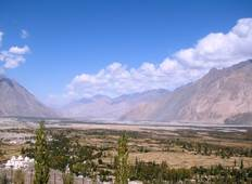 Biking India\'s Nubra Valley Tour