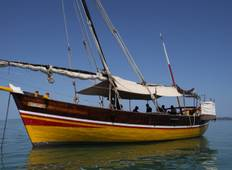 Dhow sailing in the Radama archipelago Tour