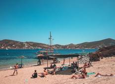 Sail Greece: Mykonos to Santorini Tour