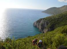 Boat tour and Trekking by the Coast: the Holiday of Your Choice Tour