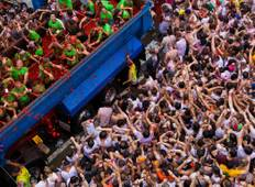 La Tomatina: Food Fights & Delights Tour