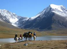 Trekking with Camels through the Kharkhiraa Pass Tour