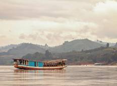 Laos: Sunrises & Street Food Tour