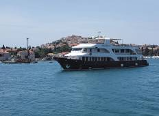 Cruising Croatia\'s Central Coast Tour