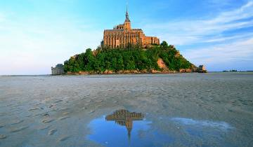 4 Days Normandy, Saint Malo, Mont Saint Michel & Loire Valley Castles Tour