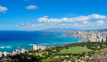 Cruising Hawaii\'s Paradise with Sheraton Princess Kaiulani Tour