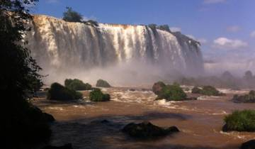 Iguazu Falls Adventure 4D/3N (Puerto to Foz) Tour