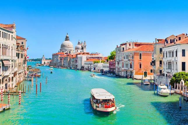10 Best Europe Tours & Vacation Packages 2021/2022 - TourRadar