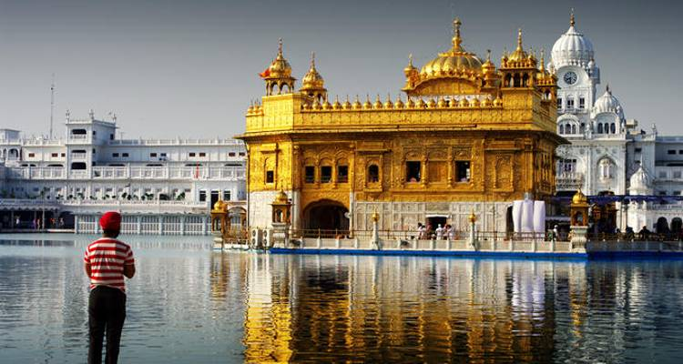 Golden Temple Amritsar - Place of Peace and Power - Yolo India Tours