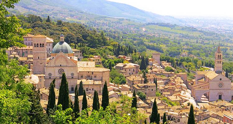 Tuscan and Umbrian Countryside featuring Italy's Charming Hill Towns (Rome to Tuscany) - Collette