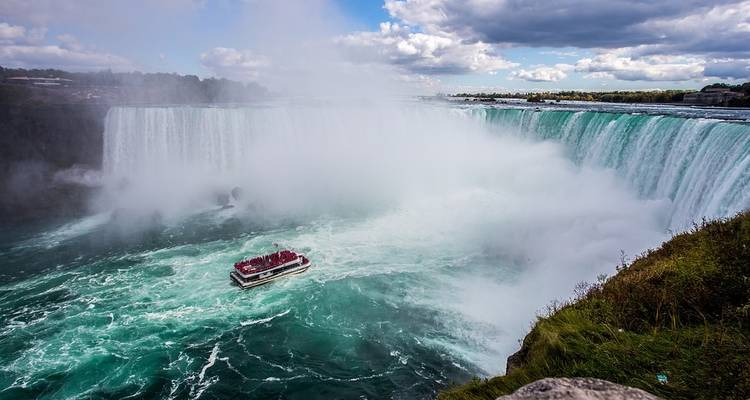 Rockies, Alaska & Yukon Adventure Glacier Discovery and New England Cruise plus Eastern USA (from Victoria to New York City) - Evergreen Tours