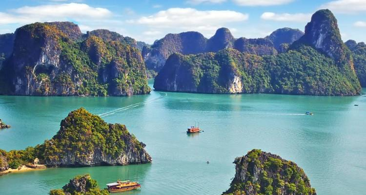 Cruise on the Mekong from Hanoi to the Temples of Angkor plus 4-day post-cruise program Hanoi and Halong Bay - CroisiEurope River Cruises