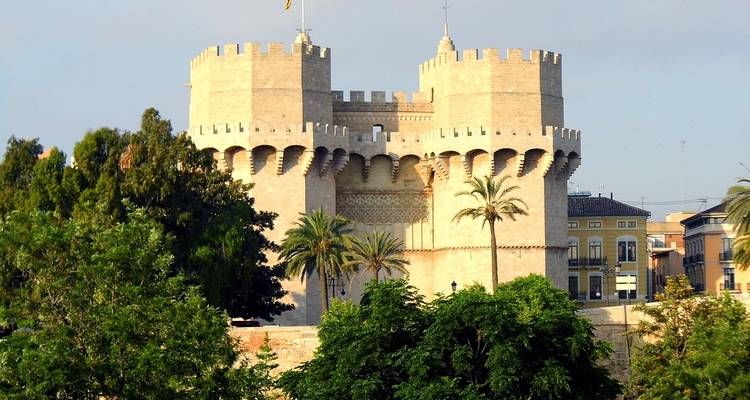 Andalucia & Barcelona (From Madrid) Small Group Tour - Trapsatur