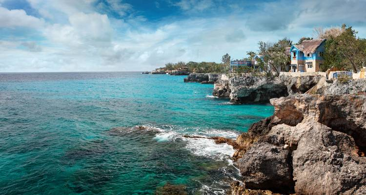 Jamaica Encompassed (5 destinations) - G Adventures