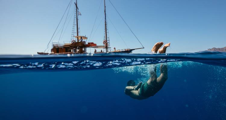 Greek Island Hopping - Contiki