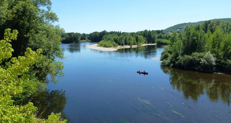 Headwater - Canoeing on the Dordogne - Exodus Travels