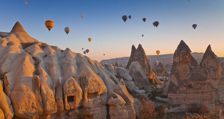 3-Day tour of Cappadocia and Ephesus by Air from Istanbul - Neon Tours