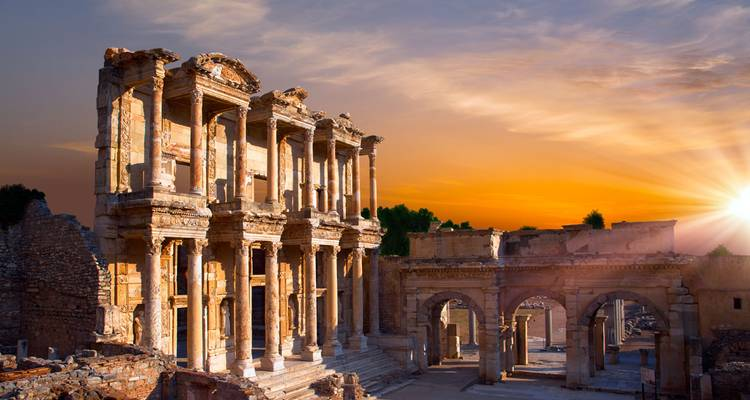 3-Day tour from Istanbul to Kusadasi: Troy, Gallipoli, Ephesus - Neon Tours