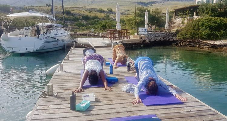 The Yoga Sailing Retreat - Naleia Yachting